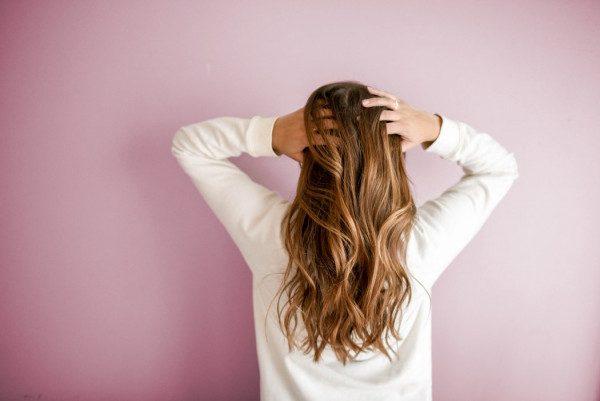 抜け毛,原因,ストレス,女性,男性,シャンプー,対策
