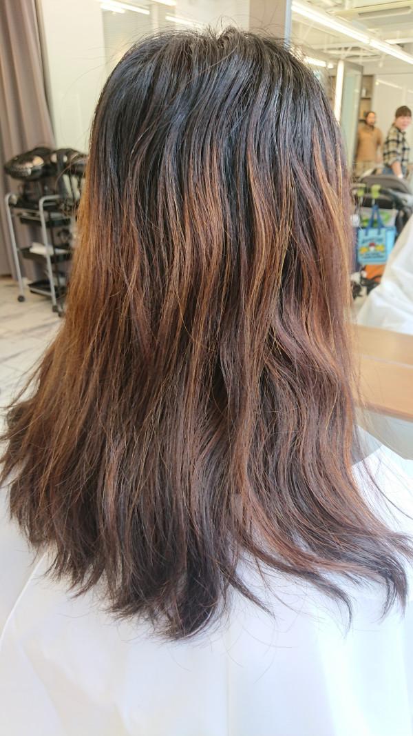 くせ毛,ミディアム,アレンジ,ロング,パーマ,スタイリング,活かす,長さ,ミディアムヘア